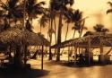 08-A-C1-Della Busca Carlos-Gente en la playa
